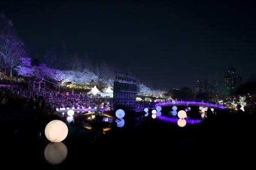 서울 서초구, 코로나19 여파에 양재천 벚꽃 등 축제 취소