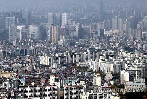 Average sales price of apartments in Seoul tops 600 mln won - 1