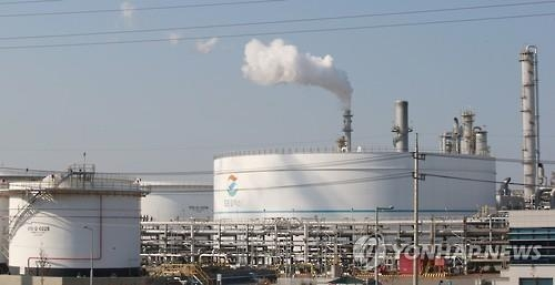 Refiners forecast to report decent Q1 earnings on improved cracking margin