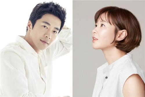 This file photo shows South Korean actors Kwon Sang-woo (L) and Choi Kang-hee (R). (Yonhap)
