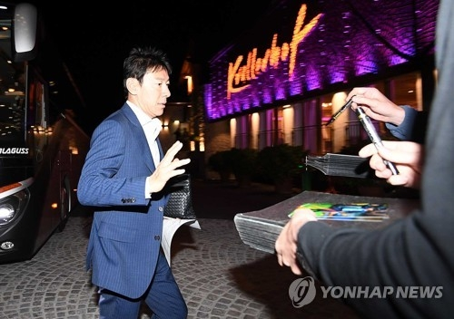 South Korea men's national football team head coach Shin Tae-yong arrives at a hotel in Leogang, Austria, on June 3, 2018. (Yonhap).
