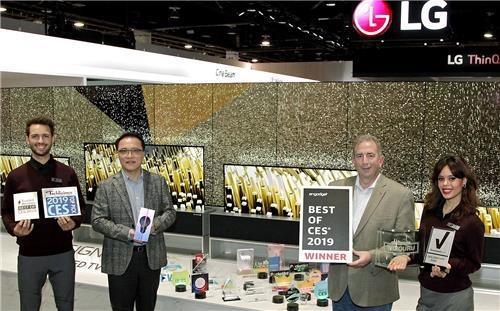 (LEAD) LG Electronics wins 132 awards at 2019 CES