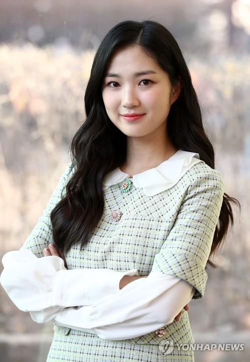 Actress Kim Hye-yoon poses for photos before an interview with Yonhap News Agency on Feb. 1, 2019. (Yonhap)