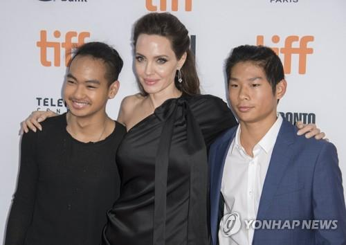 Angelina Jolie visits Yonsei University campus ahead of son's admission