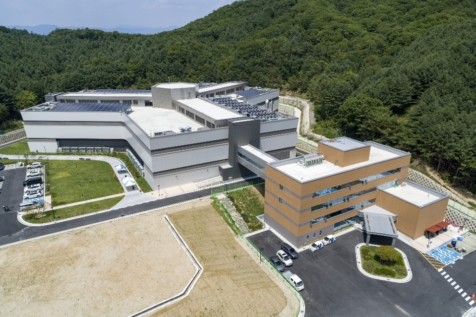Samsung SDS Co.'s data center in Chuncheon, 85 kilometers east of Seoul, is shown in this photo provided by the IT service provider on Sept. 20, 2019. (PHOTO NOT FOR SALE) (Yonhap)