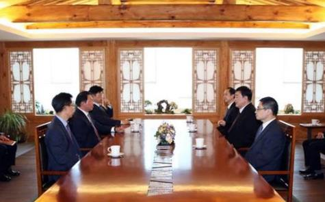 Chinese ambassador meets with SK Group chief