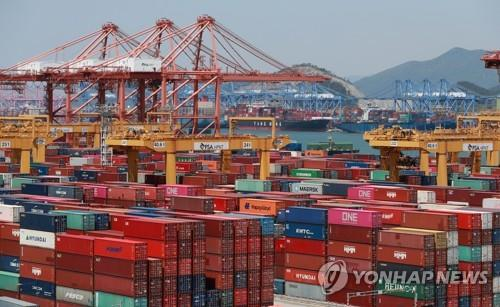 Korea's H1 seaport cargo down 7.8 pct on coronavirus