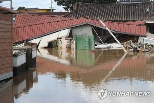 A house is destroyed by torrential rains in Namwon, North Jeolla Province, on Aug. 9, 2020. (Yonhap)