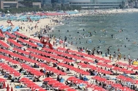 Haeundae Beach, others in Busan to shut down amid spiking virus cases