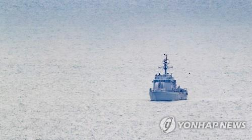 (3rd LD) N. Korea shoots S. Korean official to death at sea, burns his body: defense ministry