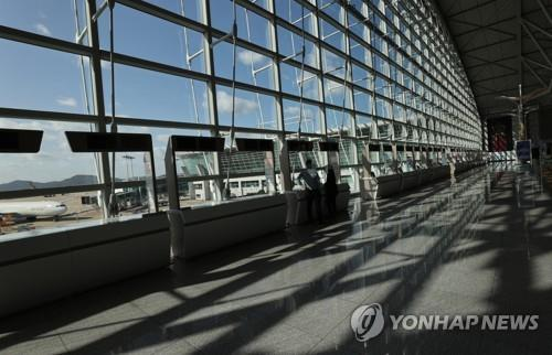 The photo shows a quiet Incheon International Airport on Oct. 5, 2020. (Yonhap)