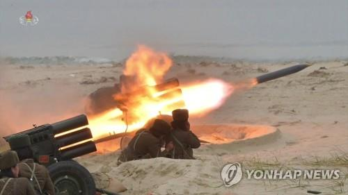 (LEAD) S. Korea, U.S. closely watching N. Korea amid signs rocket launchers being deployed to border islet