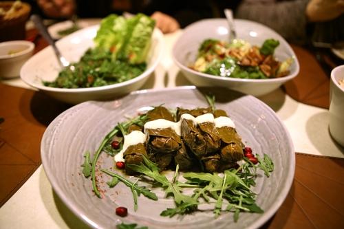 레바논 음식점의 포도나무 잎 쌈 요리 [사진/한미희 기자]