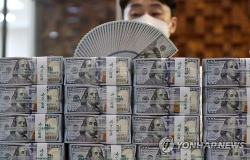 1,082 원 / 달러 환율 마감 … 작년 최저치