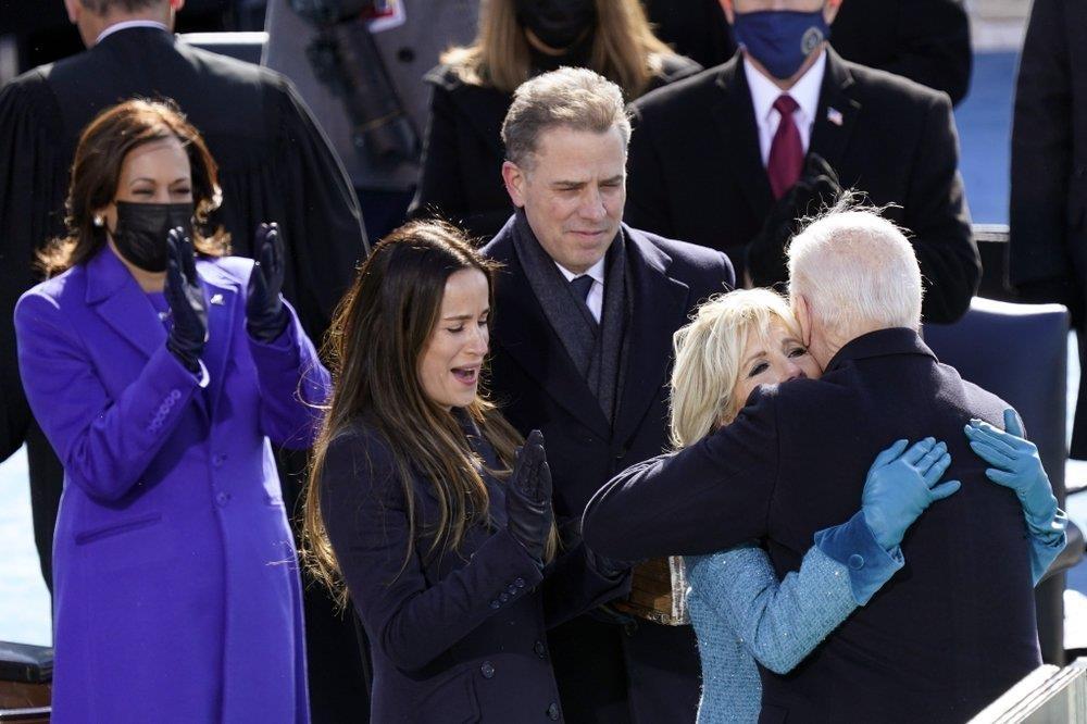 지난 1월 바이든 대통령 취임식 때 헌터의 모습(가운데 남성)