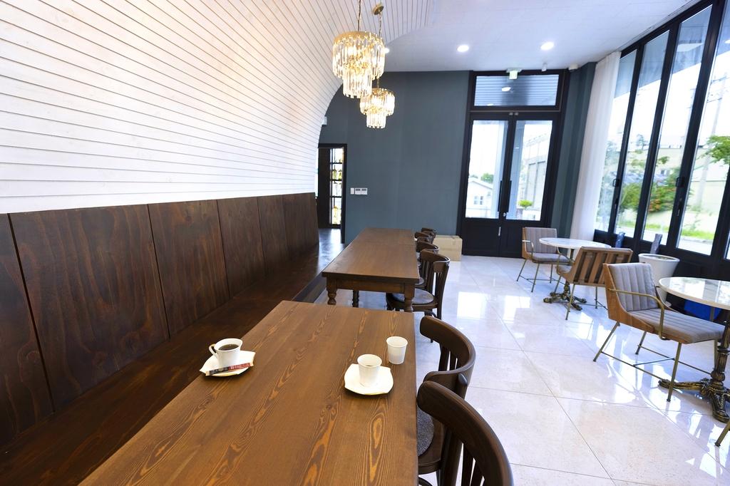 김정환 홍삼 1층의 카페 [사진/성연재 기자]