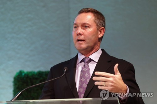 Outgoing LPGA Commissioner Mike Whan cherishes memories with Korean stars