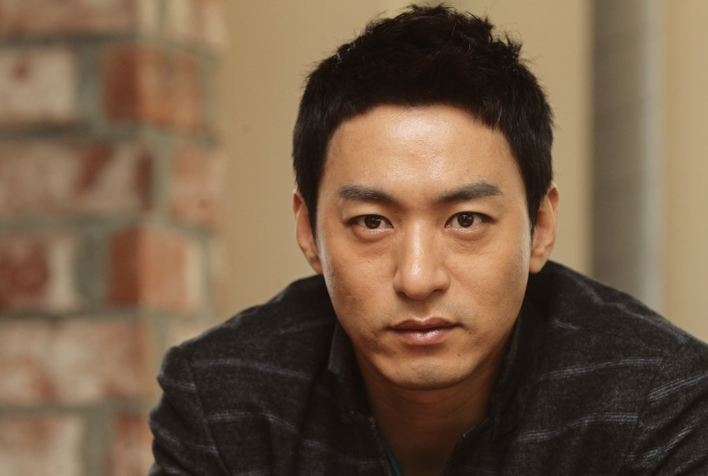 Actor Joo Jin-mo apologizes to women mentioned in his hacked text messages