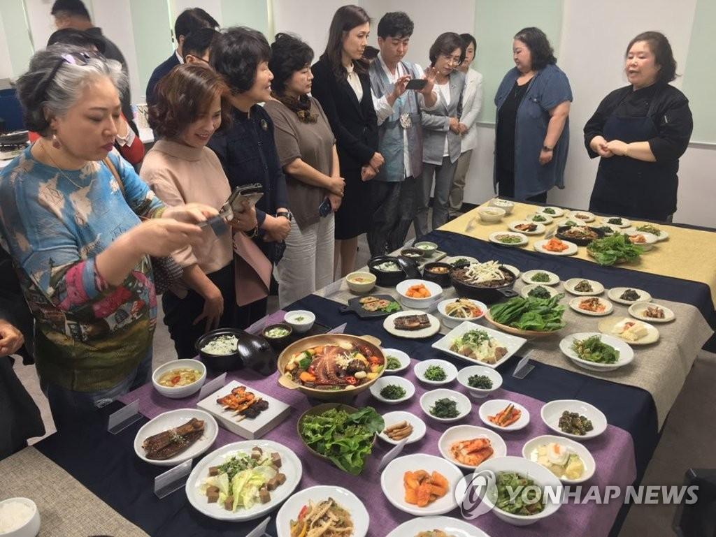 원주시 '강원 관찰사 밥상' 대표 음식으로 개발 | 연합뉴스