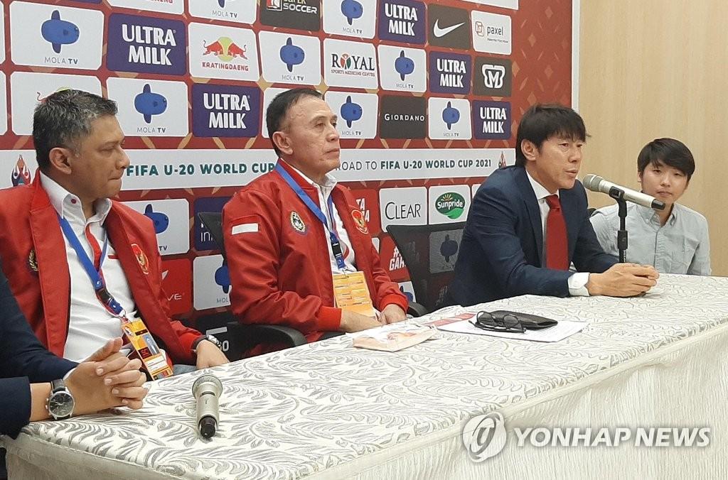 신태용, 인도네시아 축구 대표팀과 4년 계약