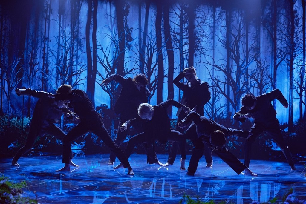 "This image of BTS performing ""Black Swan"" on American TV show ""The Late Late Show with James Corden"" in January 2020 was provided by Terence Patrick. (PHOTO NOT FOR SALE) (Yonhap)"
