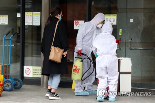 Chinese student going into quarantine