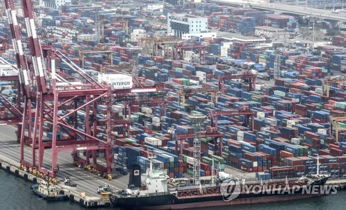 (LEAD) S. Korea's current account surplus widens in June, but H1 surplus at 8-year low amid pandemic