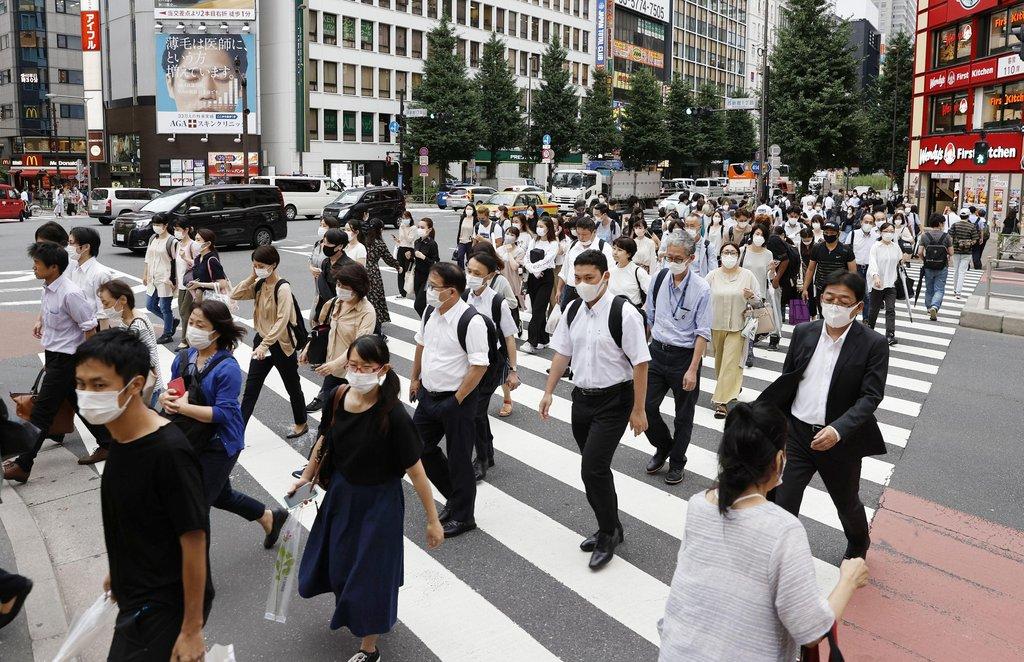 코로나19에 마스크 쓴 도쿄 시민들