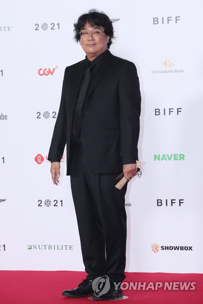 Korean film director Bong Joon-ho poses during the opening ceremony of the 26th Busan International Film Festival in the southern port city of Busan on Oct. 6, 2021. (Yonhap)